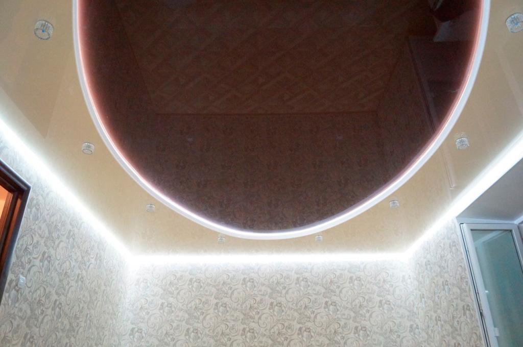 натяжной потолок с LED